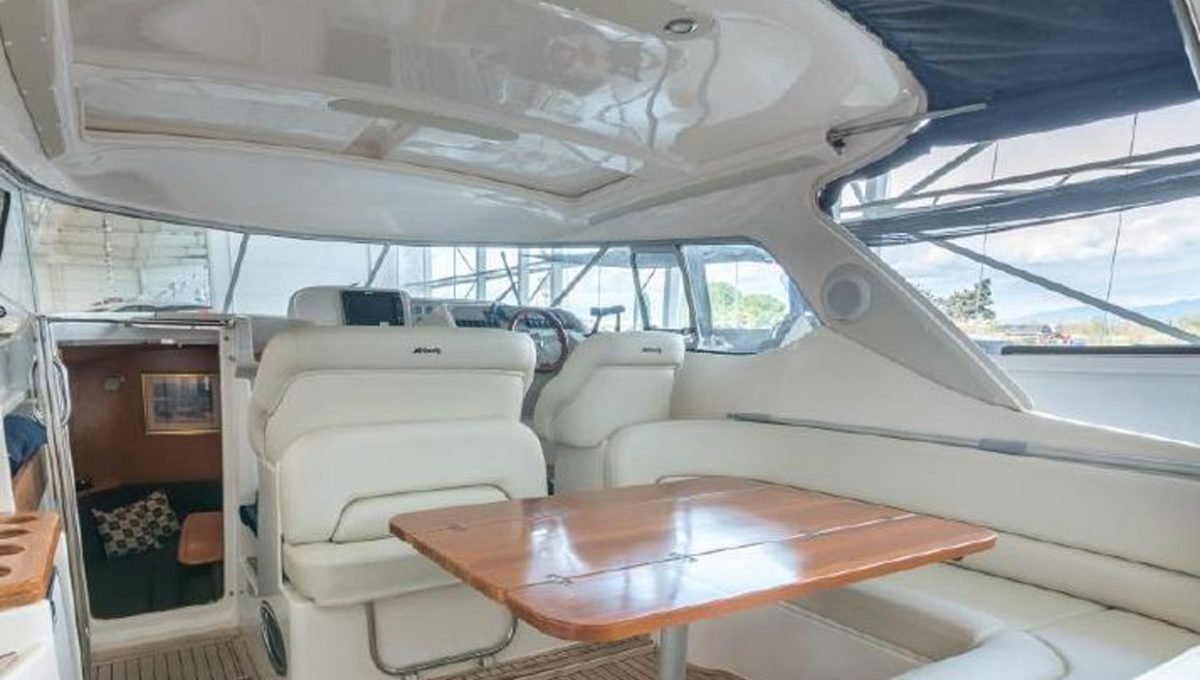windy-cockpit2
