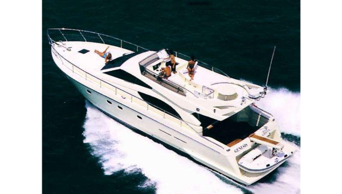 sailing-sisteryacht